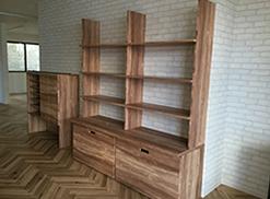 (有)マルボク木村燃商様 商品陳列棚と床